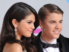 Justin & Selena back together?