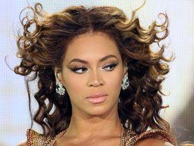 Beyoncé not interested in Kimye wedding