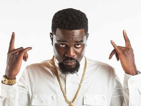 "Ghanaian rapper Sarkodie has premiered the video for his song ""Adonai"""