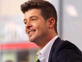 Robin Thicke won't give up!