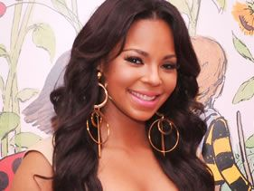 Ashanti hooks up with R. Kelly for new single