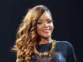 Rihanna shares bikini shot