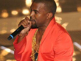 Kanye joins Drake on stage