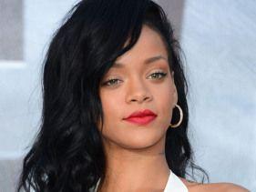Rihanna sets the record straight