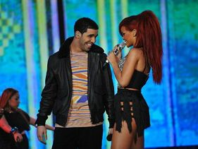 Drake and Rihanna show love!