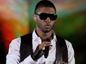 "Usher has released the video for his single ""Good Kisser"""